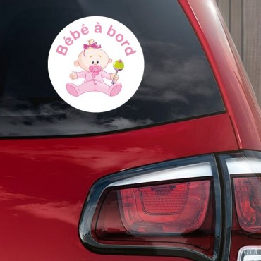 Sticker Bébé à bord fille hochet - stickers bébé à bord & autocollant voiture - stickmycar.fr